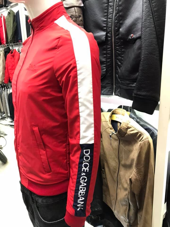 Áo khoác gió nam mỏng thể thao chi tiết chụp tại shop