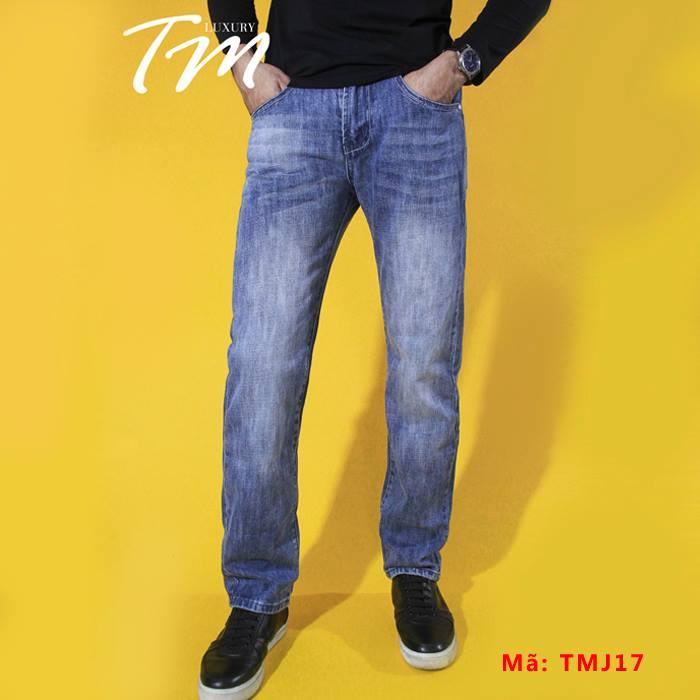 Ảnh chụp chuẩn dáng cho quần jean nam ống đứng Lacoste TMJ17